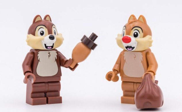 REVIEW-LEGO-71024-Disney-Collectible-Minifigures-06.jpg